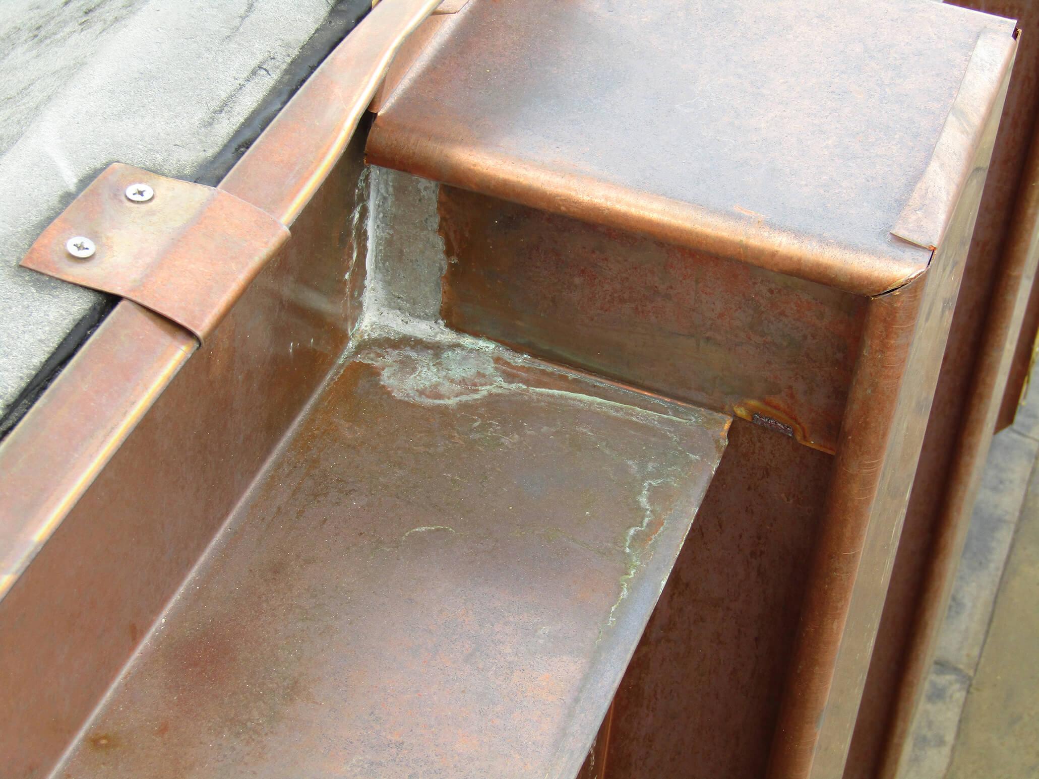 detail bakgoot koper Boekentoren Gent
